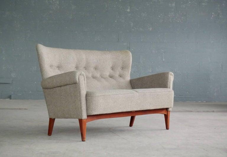 Fritz Hansen Danish Midcentury Sofa or Settee in Teak and Red Wool, circa 1955 In Good Condition In Bridgeport, CT