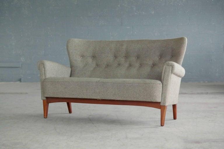 Mid-20th Century Fritz Hansen Danish Midcentury Sofa or Settee in Teak and Red Wool, circa 1955
