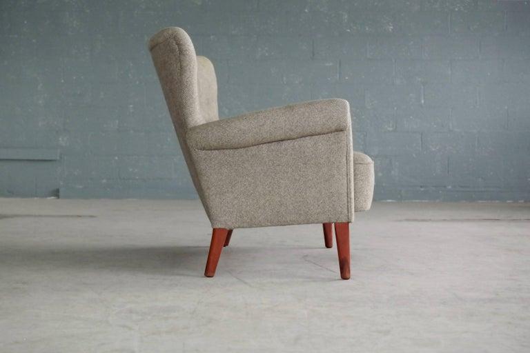 Fritz Hansen Danish Midcentury Sofa or Settee in Teak and Red Wool, circa 1955 1