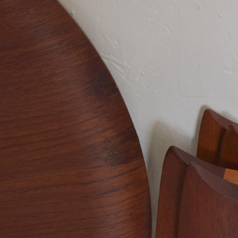 Fritz Hansen Denmark Model 4508 Teak Folding Tray Side Table -Set of Two In Good Condition For Sale In National City, CA