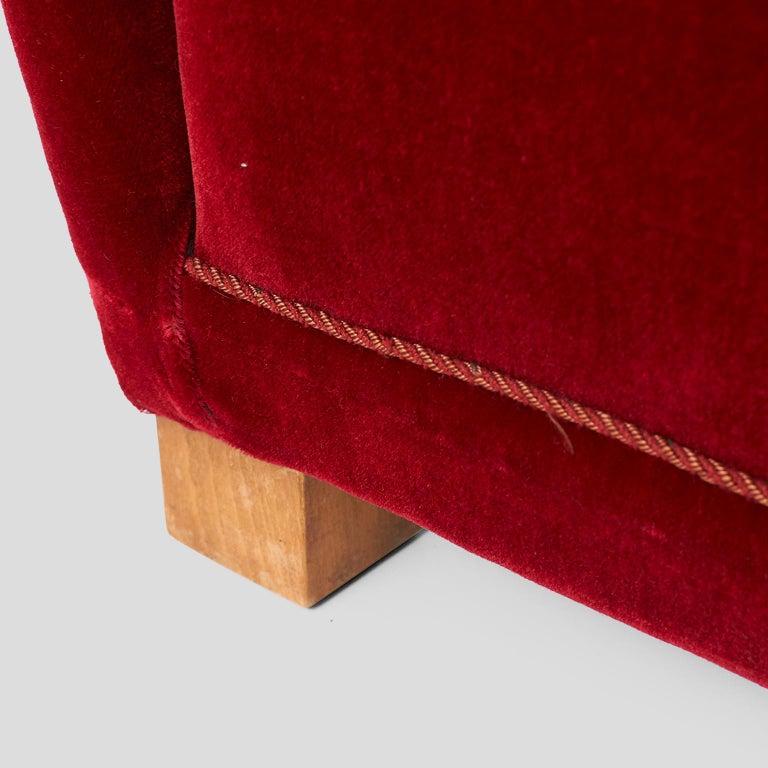 Velvet Fritz Hansen Lounge Chair Model #1672 For Sale