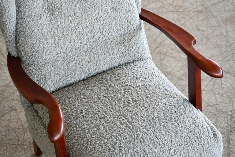 Mid-20th Century Fritz Hansen Model 1582 Wingback Lounge Chair in Grey Boucle Danish Midcentury