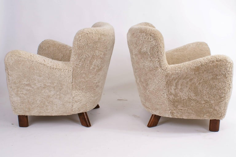 Danish Fritz Hansen Pair of Easy Chairs, Model 1669, 1930s For Sale