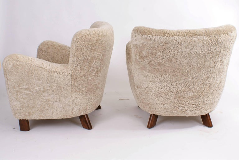 Mid-20th Century Fritz Hansen Pair of Easy Chairs, Model 1669, 1930s For Sale