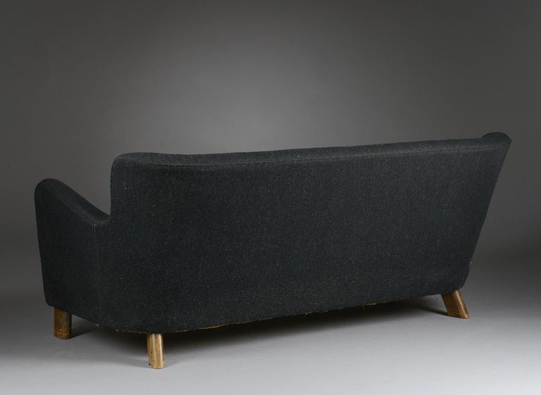 Fritz Hansen Three-Seat Sofa, Model 1669A Couch 3-Seat Black For Sale 9