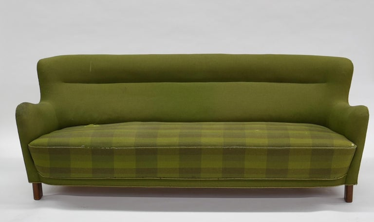 Fritz Hansen Three-Seat Sofa Green Model 1669a / 4468 For Sale 3