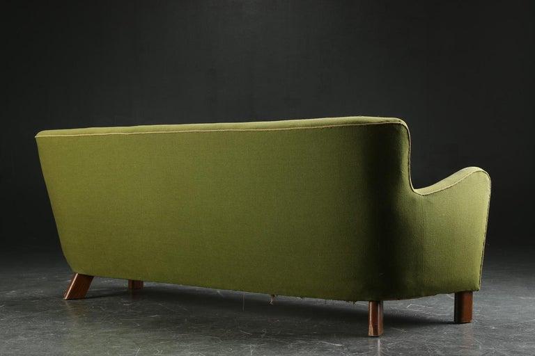 Fritz Hansen Three-Seat Sofa Green Model 1669a / 4468 For Sale 4