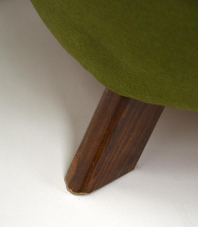 Fritz Hansen Three-Seat Sofa Green Model 1669a / 4468 For Sale 5