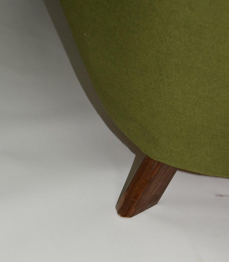 Fritz Hansen Three-Seat Sofa Green Model 1669a / 4468 For Sale 6