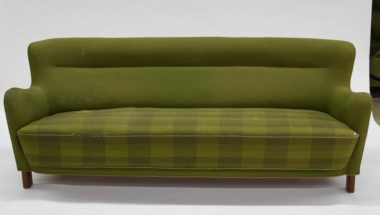 Fritz Hansen Three-Seat Sofa Green Model 1669a / 4468 For Sale 7