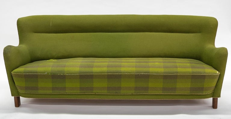 Fritz Hansen Three-Seat Sofa Green Model 1669a / 4468 For Sale 9