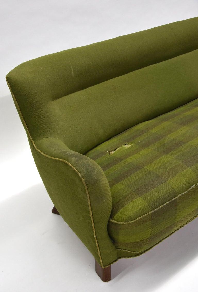 Mid-Century Modern Fritz Hansen Three-Seat Sofa Green Model 1669a / 4468 For Sale