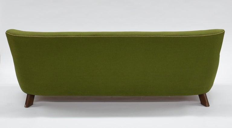 Fritz Hansen Three-Seat Sofa Green Model 1669a / 4468 In Fair Condition For Sale In Lasbek, DE