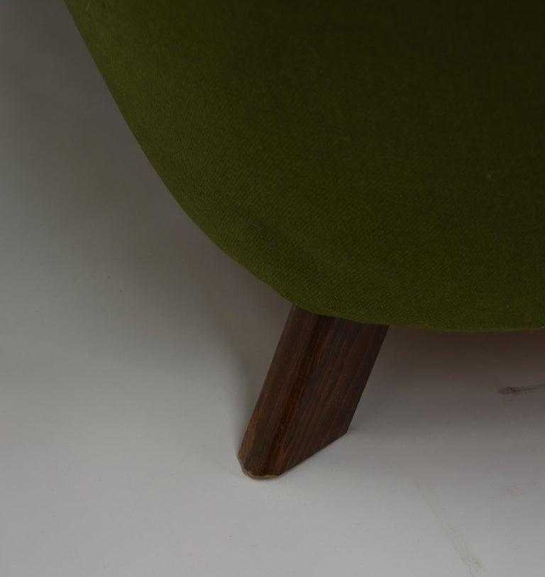 Fritz Hansen Three-Seat Sofa Green Model 1669a / 4468 For Sale 1