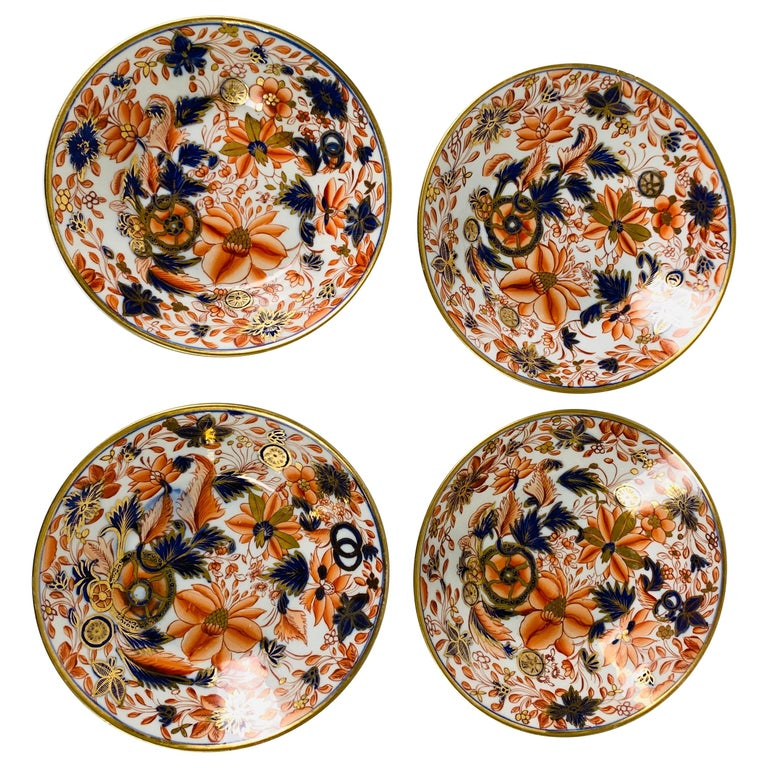 From the Collection of Mario Buatta a Set of Four Imari Tobacco Leaf Saucers For Sale