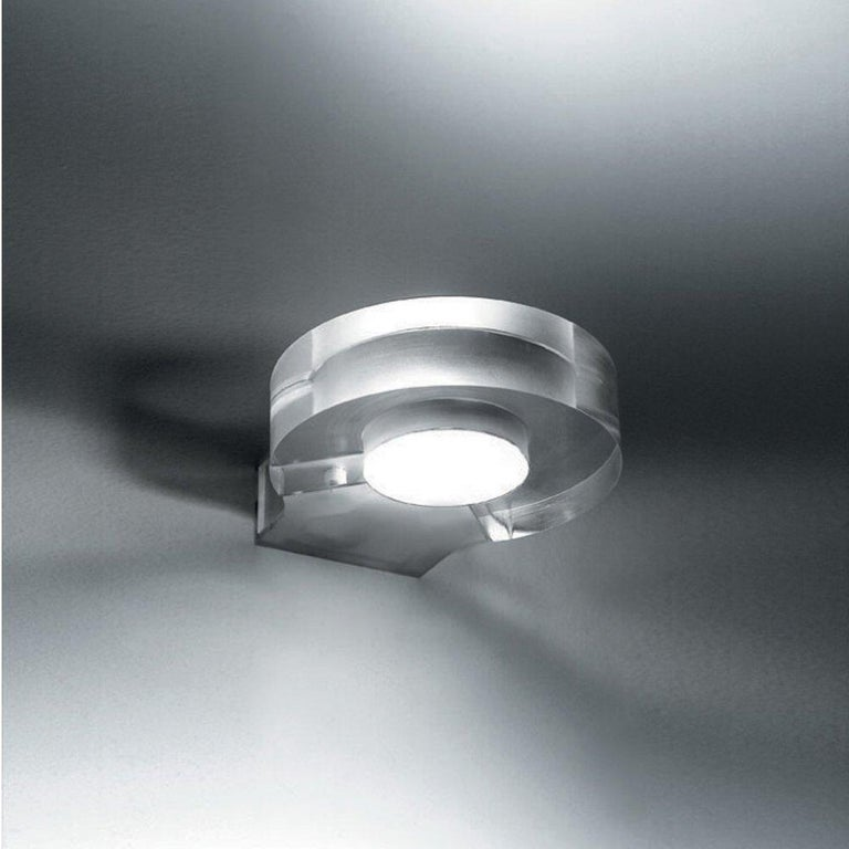 Artemide Modern Crystal Wall Light Sconce Paolo de Lucchi, Italy 2012, Luminaire In Good Condition For Sale In Brooklyn, NY