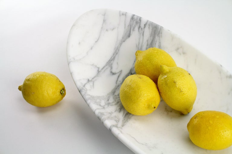Modern Fruit Bowl Vase in White Calacatta Marble Contemporary Design by Pieruga Marble For Sale