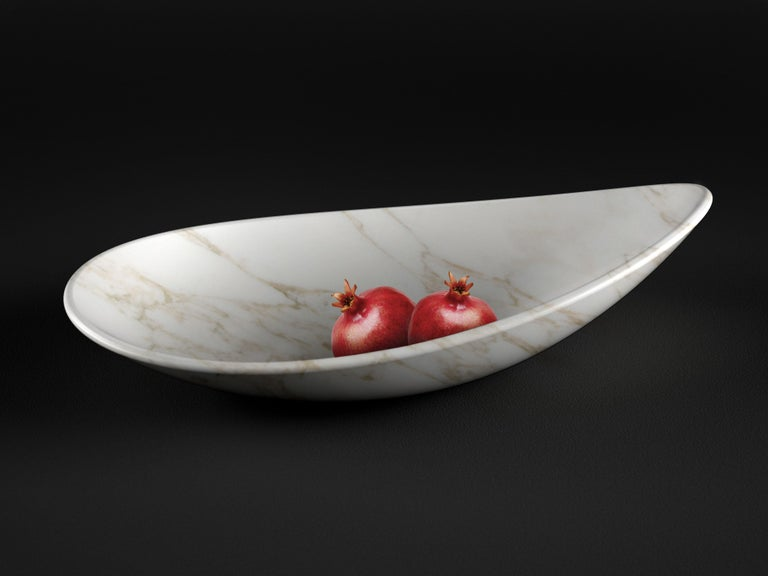 Hand-Crafted Fruit Bowl Vase Marble White Carrara Oval Italian Contemporary Design For Sale