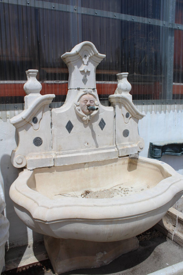 18th Century Stone and Marble Italian Wall Fountain For Sale 1