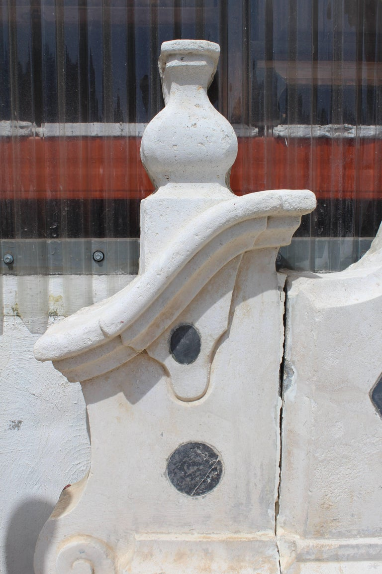 18th Century Stone and Marble Italian Wall Fountain For Sale 2