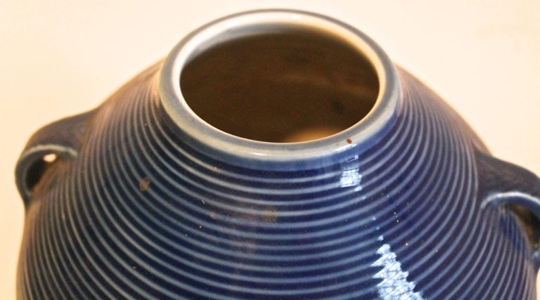 Fukagawa Japanese Modernist Porcelain Vase In Excellent Condition For Sale In Sharon, CT