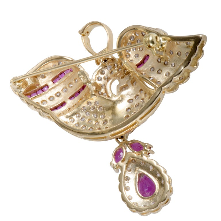 Round Cut Full Diamond and Ruby 18 Karat Yellow Gold Swan Pendant or Brooch
