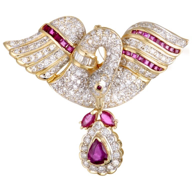 Full Diamond and Ruby 18 Karat Yellow Gold Swan Pendant or Brooch