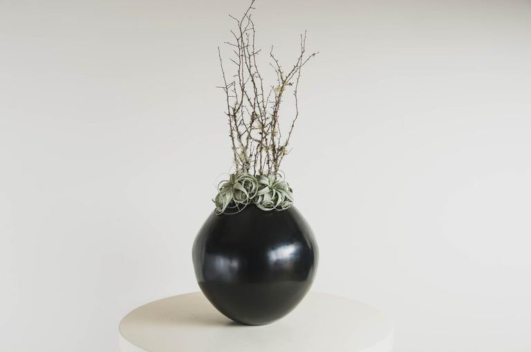 Chinese Full Moon Jar in Black Lacquer by Robert kuo, Limited Edition For Sale