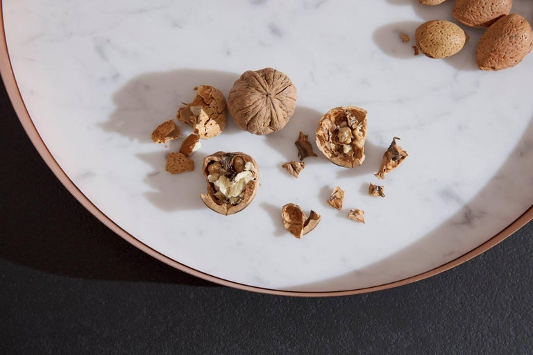 Modern Full Moon Medium Copper and Carrara Marble Tray by Elisa Ossino For Sale
