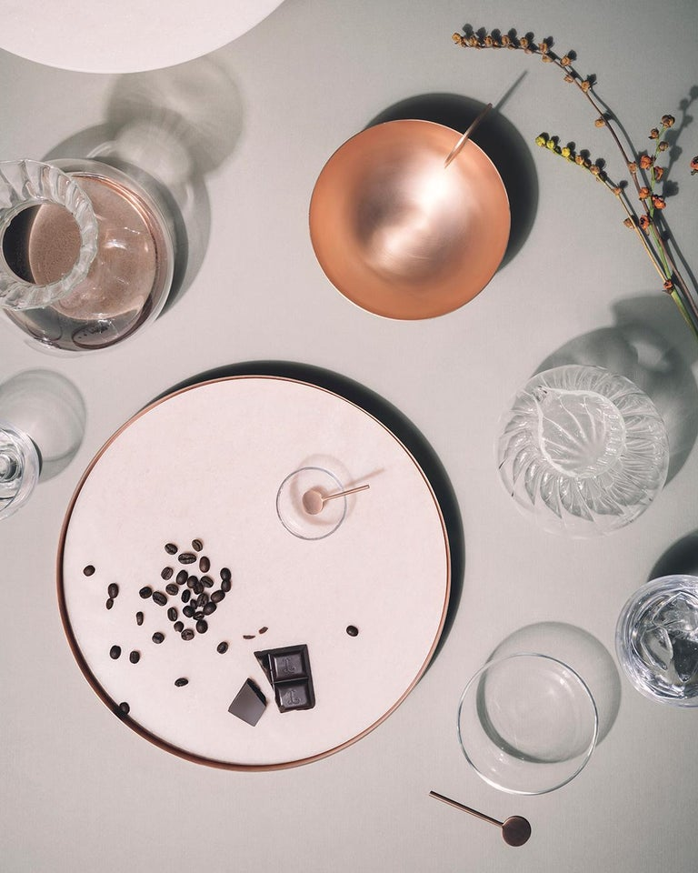 Full Moon Medium Copper and Carrara Marble Tray by Elisa Ossino In New Condition For Sale In Milan, IT