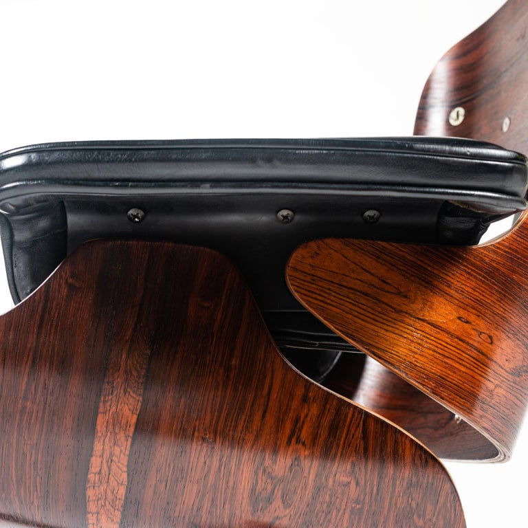 Other Fully Restored 1st Gen 1956 Eames Lounge Chair and Boot Glide Ottoman For Sale