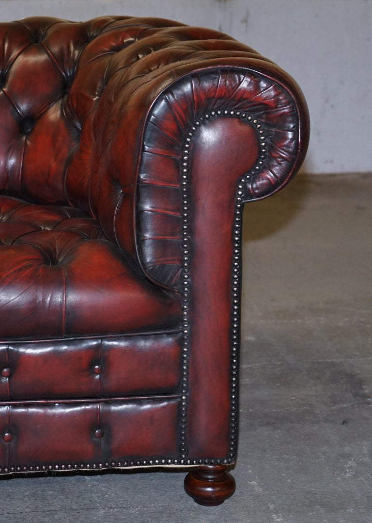 Fully Restored Hand Dyed Oxblood Leather Fully Tufted Chesterfield Buttoned Sofa For Sale 3
