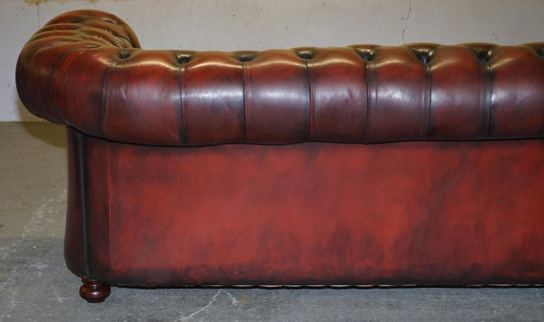 Fully Restored Hand Dyed Oxblood Leather Fully Tufted Chesterfield Buttoned Sofa For Sale 10