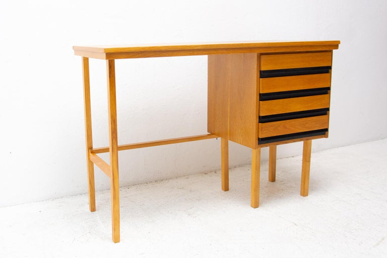 Fully Restored Mid Century Writing Desk, 1960´s, Czechoslovakia For Sale 1