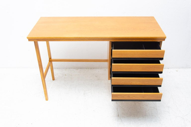 Fully Restored Mid Century Writing Desk, 1960´s, Czechoslovakia For Sale 2