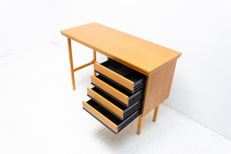 Fully Restored Mid Century Writing Desk, 1960´s, Czechoslovakia For Sale 3