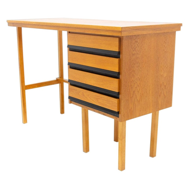 Fully Restored Mid Century Writing Desk, 1960´s, Czechoslovakia For Sale