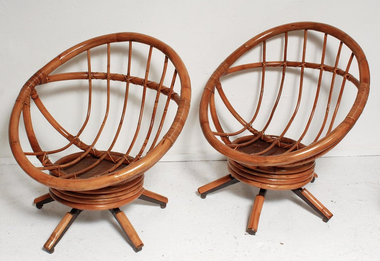 Fully Restored Pair of Bamboo Swivel Chairs, American, circa 1960 In Good Condition For Sale In North Miami, FL