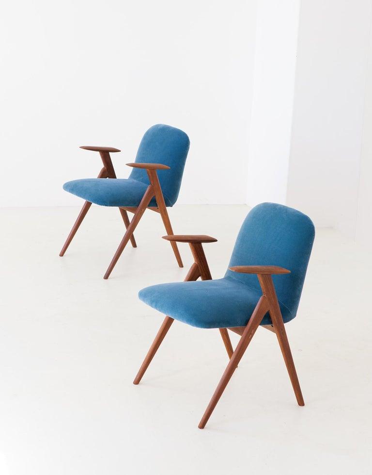 Italian Fully Restored Pair of Blue Velvet and Teak Armchairs, 1950s For Sale