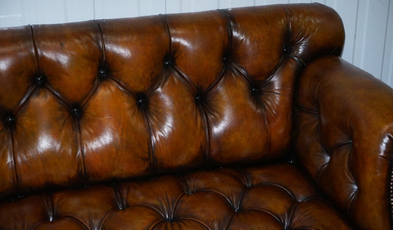 Fully Restored Show Frame Victorian Redwood Chesterfield Brown Leather Sofa For Sale 2