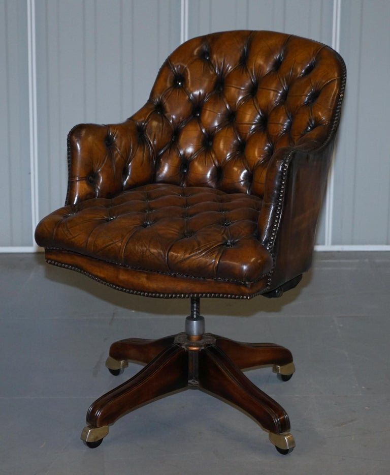 English Fully Restored Vintage Brown Leather Chesterfield Captains Directors Armchair For Sale