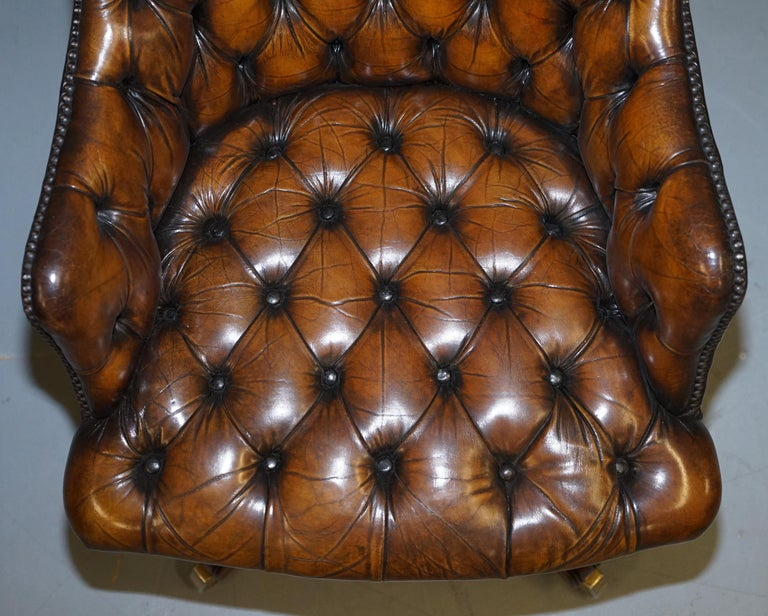 Fully Restored Vintage Brown Leather Chesterfield Captains Directors Armchair In Good Condition For Sale In London, GB