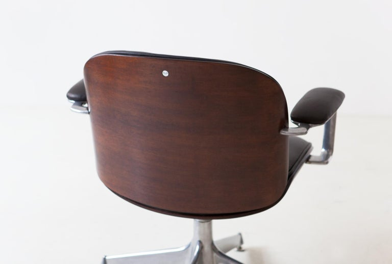 Metal Fully Restored Leather and Mahogany Swivel Chair by Ico Parisi for MIM Roma For Sale