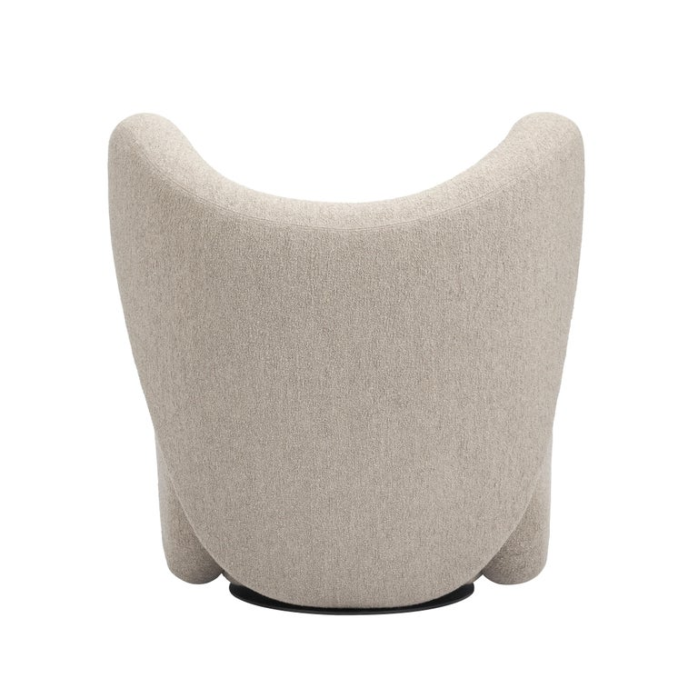 An all-around beauty?  Appropriately named, the Big Big Chair is the bigger version of the compact Little Big Chair. The voluminous shapes are divided into four playfully oversized objects, each piece designed to embrace and wrap around the user