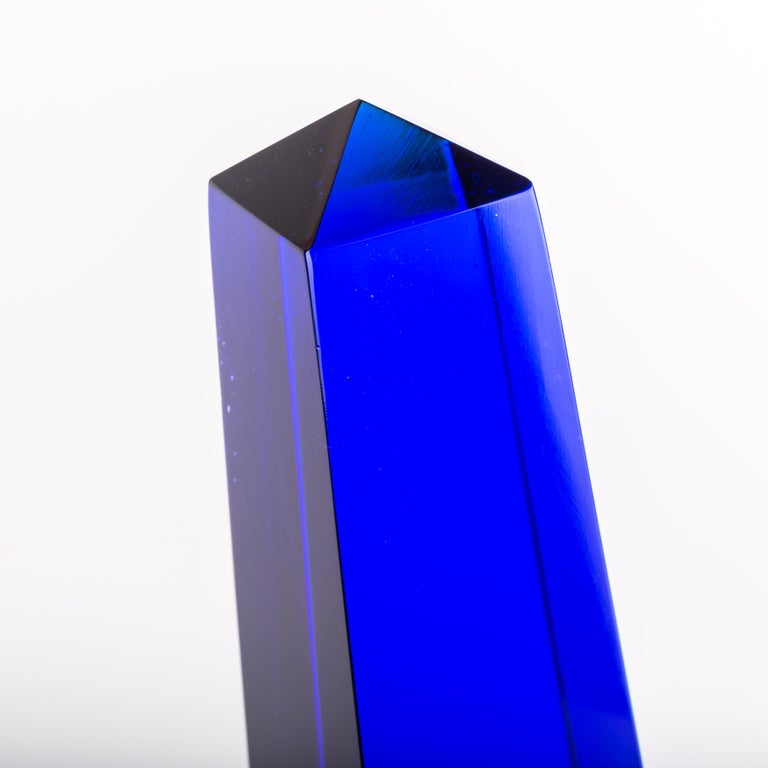 A huge blown Murano decorative 4 sided obelisk designed by Fulvio Bianconi for Venini. This piece has a very strong presence, especially with this typical blue Venini had the secret at that time, Signed with diamond point Venini Italia.  We are