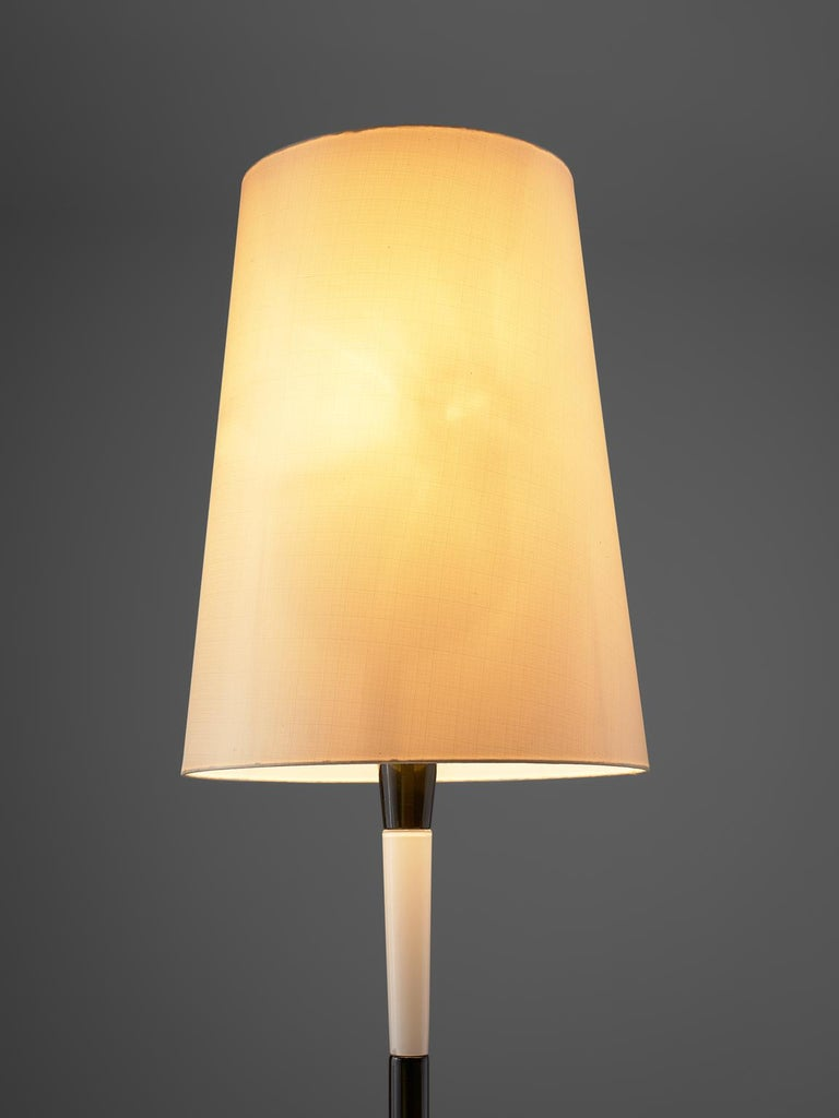Fulvio Bianconi Two-Tone Floor Lamp of Murano Glass In Good Condition For Sale In Waalwijk, NL