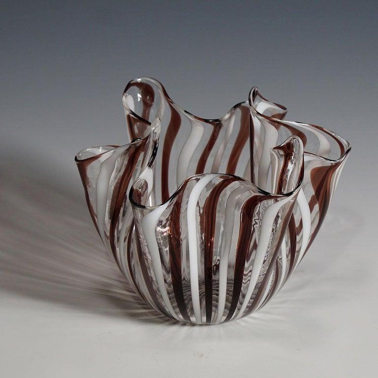 Mid-Century Modern Fulvio Bianconi Vase 'Fazzoletto' in White and Amethyst Glass, Venini circa 1950