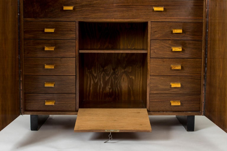 Functionalist Cabinet by Erik Chambert for Chamberts Möbelfabrik, Sweden, 1930s In Good Condition For Sale In Stockholm, SE