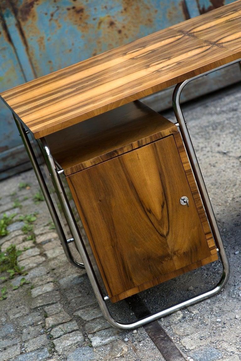 Functionalist Tubular Steel Desk Walnut, 1930s For Sale 5