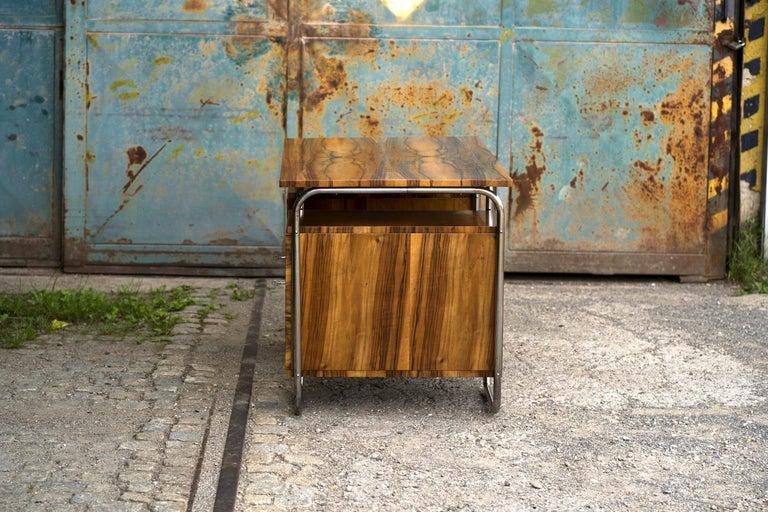 Functionalist Tubular Steel Desk Walnut, 1930s In Good Condition For Sale In Wien, AT